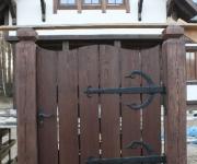 furtka drewniana na okuciach kowalskich