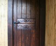 sosnowe drzwi wewnętrzne postarzane