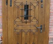 drzwi wejściowe do restauracji BASZTA