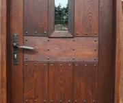 drzwi zewnętrzne o charakterze rustykalnym