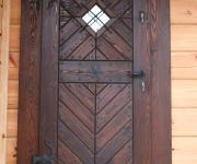 drzwi sosnowe rustykalne do domu drewnianego