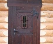 masywne drzwi dębowe do chaty z bali