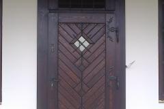 ozdobne drzwi do dworku