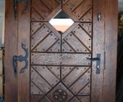 drzwi dębowe z rozetą