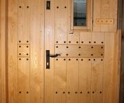 rygle kute recznie do drzwi w stylu rustykalnym